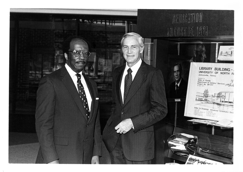 Presidents Thomas Carpenter and Andrew Robinson at the dedication of the Thomas G. Carpenter Library, August 15, 1981